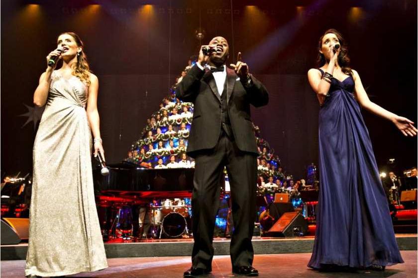 Singing Christmas Tree Edmonton.Edmonton Opera