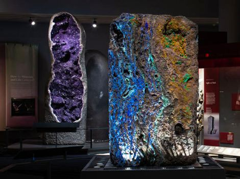 Amethyst Geode and Azurite mounts in the Halls of Gems and Minerals.