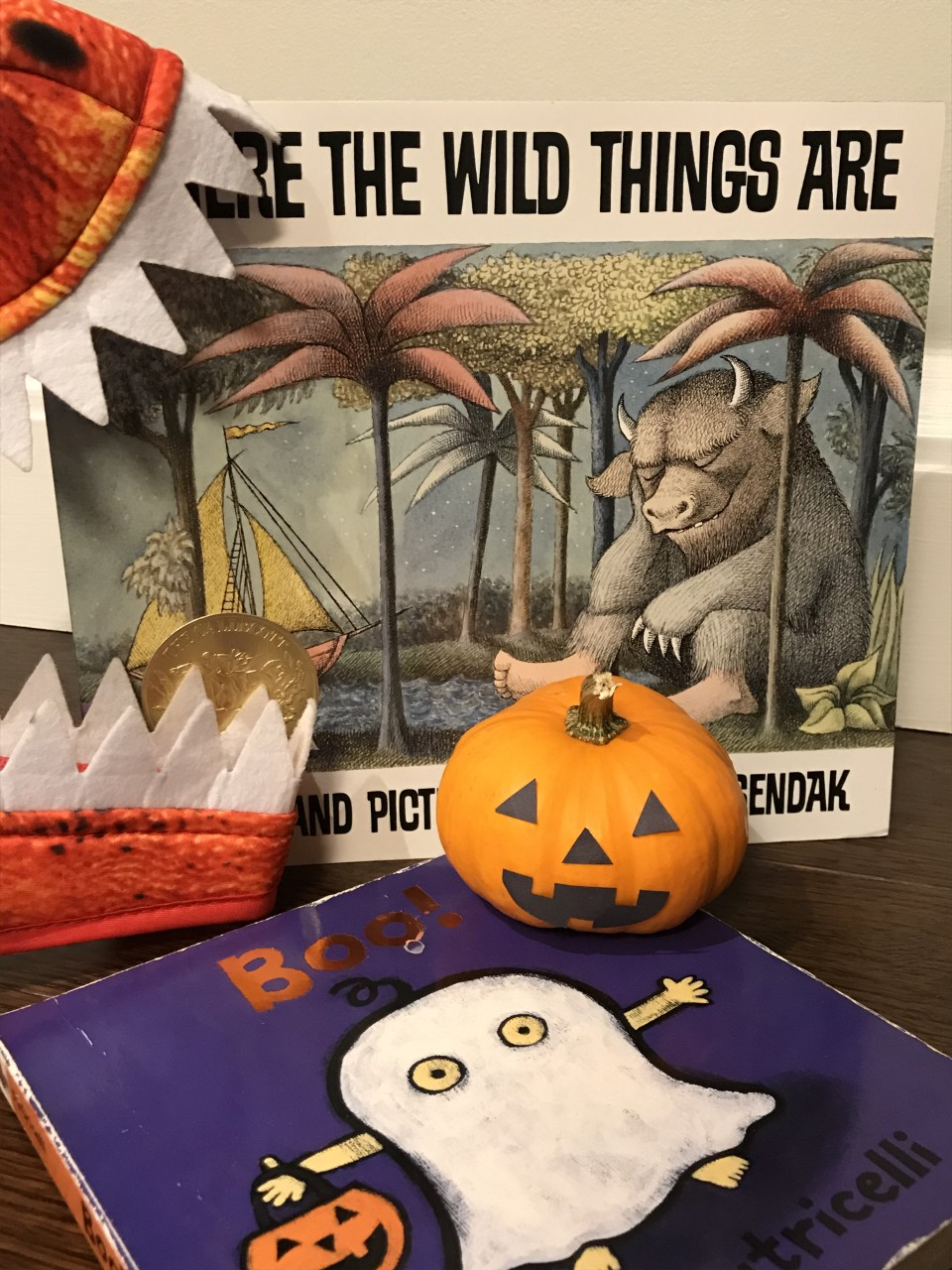 Click here to register for MOCA's Halloween Storytime on 10/22!